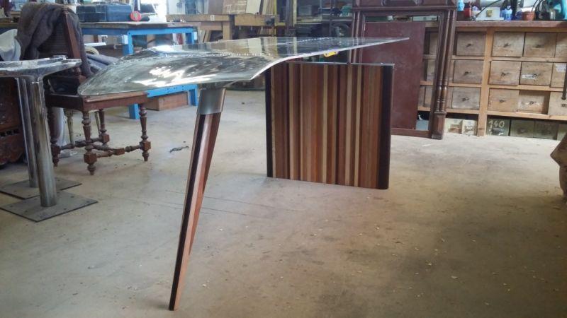 Fabrication de bureau design près d aix en provence avec une aile
